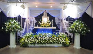 高一日葬の祭壇